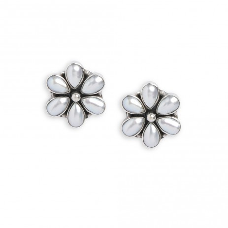 FLOWER POWER PEARL STUDS